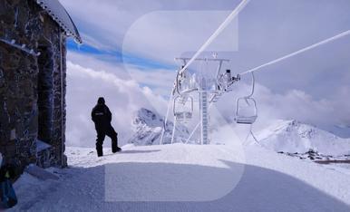 © Nieve nueva para garantizar el esquí