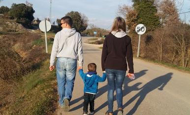 El Nostre fill Adria,ja te 2 anyets.Mireia,Josep i Adria.