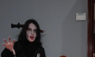 Fani Romeu Masip - C/tarragona num.29-2-2 lleida 630063617 - un zombie i el piterpan tambe vol fer po!
