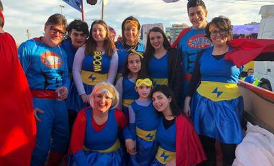 Superherois.amb els meus cosins vam decidir anar disfressats de superherois.va ser una experiencia que ja fa 6anys que repetim