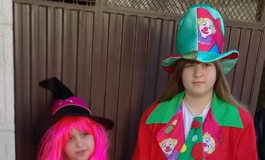 Les meves filles marta i esther de pallassa i bruixa
