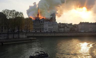 Incendi a Notre Dame