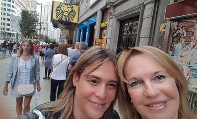Amb la meva mare Mercè, viatge a Madrid a veure el rei Lleó, regal pels meus 40 anys.