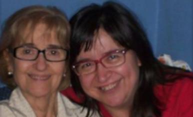 79 anys en aquesta foto....i sembla ma germana! Una de les últimes fotos que tinc d'ella. Beatriu Rodríguez RancañoBellesa en la mirada! La meua mareta!
