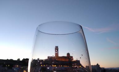 Brindant per Lleida, brindant per la seva gent, brindant per la vida.
