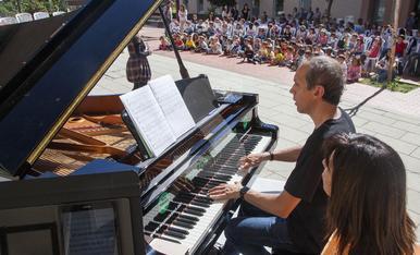© Los pianos traen cola en Cervera
