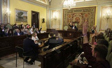 GALERIA. Les imatges del ple d'investidura de Miquel Pueyo
