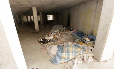 Els indigents 'prenen' un edifici a mig construir a Lleida
