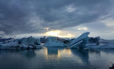 Posta de sol a Jökulsárlón (Islandia)