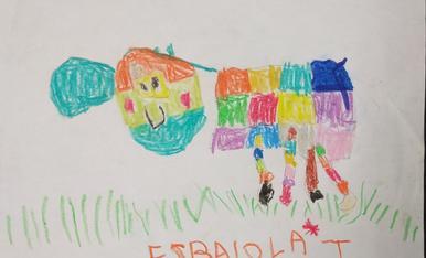 El Marc, de 5 anys,  ja ha tret a pasturar la vaca de l'esbaiola't! Esperem amb moltes ganes que comenci el festival!!!