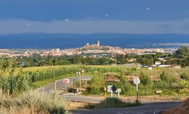 Fent esport Alpicat és,  poden fer aquestes fotos tot i l'amenaça de pluja al fons a l'estimada Lleida.