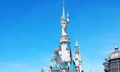 Ruta per França amb la furgo, parada obligatòria, visita a Disneyland París