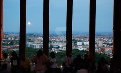 Eclipsi parcial lunar a Lleida