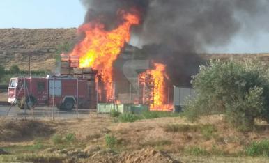 Incendi a Sanui Fruits