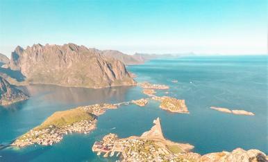 Des del més alt de Reinebringen, a 450m d'altura (Reine, Illes Lofoten, Noruega)