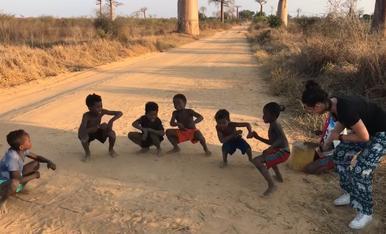 Al ritme dels baobabs de Madagascar