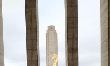 Foc al cap al momument a la Bandera a Rosario.