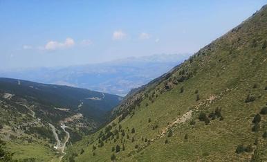 Ascensió en familia al cim del Puigmal, des d'Err a la Cerdanya francesa. Un dia esplèndid.