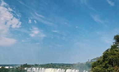 Una de les 7 meravelles naturals del món  (Cataratas de Iguazú)