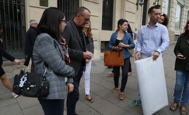 La Paeria retira la pancarta en suport als presos independentistes