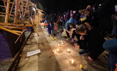Manifestació amb espelmes a Lleida