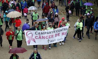 Caminata en Lleida contra el cáncer de mama