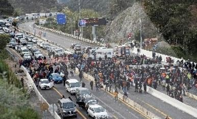 © Tsunami en la frontera francesa