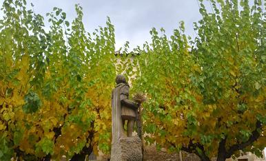 Tardor a la Plaça Sant Isidre de Montoliu de Lleida