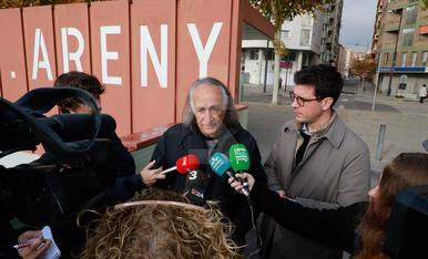 Retiren el nom d'Alcalde Areny de la marquesina de la passarel·la dels Maristes