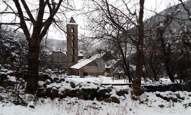 © La Bonaigua cierra por nieve y el AVE, tarde por el viento