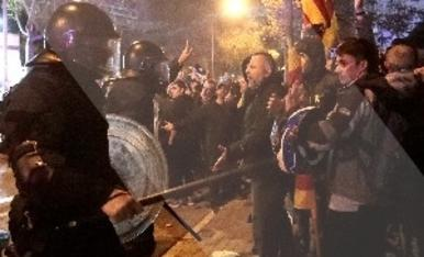 © Cargas contra los manifestantes