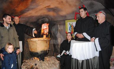 El Pessebre Vivent de Linyola, amb jutges del Suprem en lloc de diables i una presó amb els presos