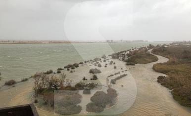 © El temporal destroza la costa y el Delta de l'Ebre
