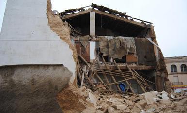 Una parella salva la vida a l'enfonsar-se el seu habitatge al Palau d'Anglesola