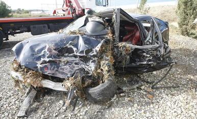 Estat en què va quedar el cotxe de la víctima.