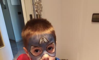 El Guillem volia ser un super heroi!! I va triar ser el Capitan America.