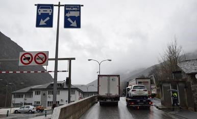 Camions ahir a la frontera d'Espanya amb Andorra.