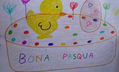 La Martina us desitja una bona Pasqua , amb la seva mona plena de molts colors.