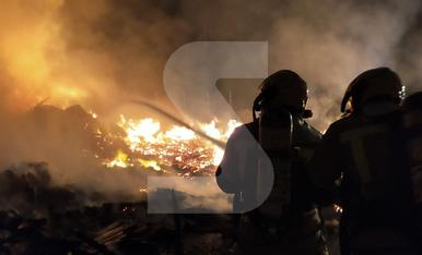 © Aparatós incendi al polígon