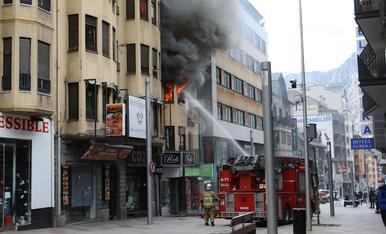 © Incendi mortal a Andorra