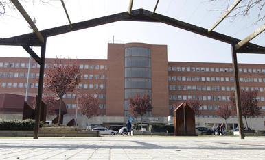 Vista de l'exterior de l'hospital Arnau de Vilanova de Lleida.