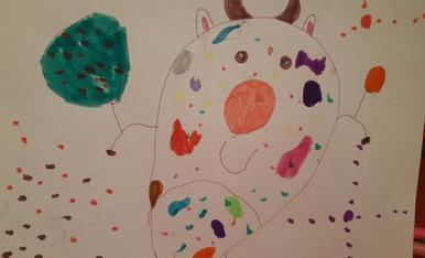 L'Eduard (4 anys) ha fet una vaca ben arrodonida i festiva!