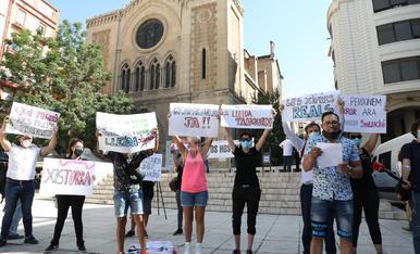 Manifestació d'hosteleria de Lleida a la plaça Sant Joan