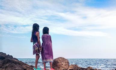 Contemplant l'horitzó després d'un bany a la platja de l'Àliga (el Perelló)