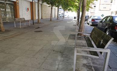 Bancs trencats al barri de la Bordeta