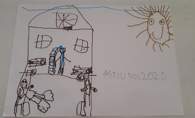 El Pol ha dibuixat la seva casa amb els seus pares , la seva germana i la tieta Gemma que va venir a passar un dia amb nosaltres i també es va quedar a dormir, s'ho va passar molt bé.