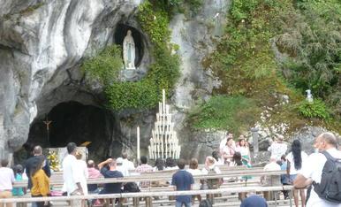 Seguint la tradició familiar de padrins , pares i ara nosaltres hem estat a Lourdes.