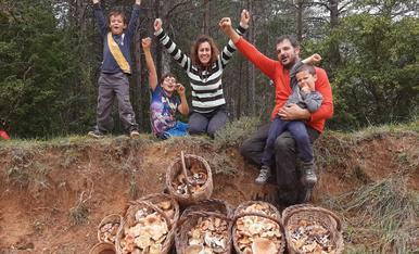 La família al complet!!! Josep Maria Ribó i els rovellons que no faltin! Un dia rodó amb lo millor de casa i de la naturalesa!