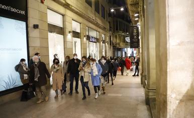 Cues a les botigues de l'Eix Comercial de Lleida