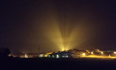 Montoliu de Lleida de nit des de la Serra de les Eres